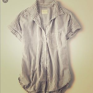 AEO Rolled Sleeve Button Up XL